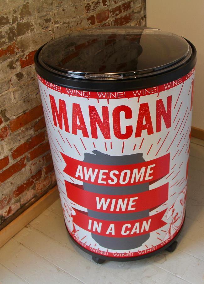 Mancan display